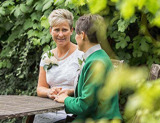 White Hart, Great Yeldham Autumn Wedding – Hayley & Jo