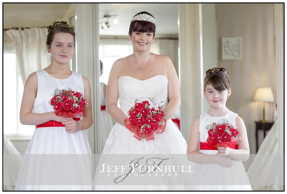 Bride and Bridesmaids the Fennes