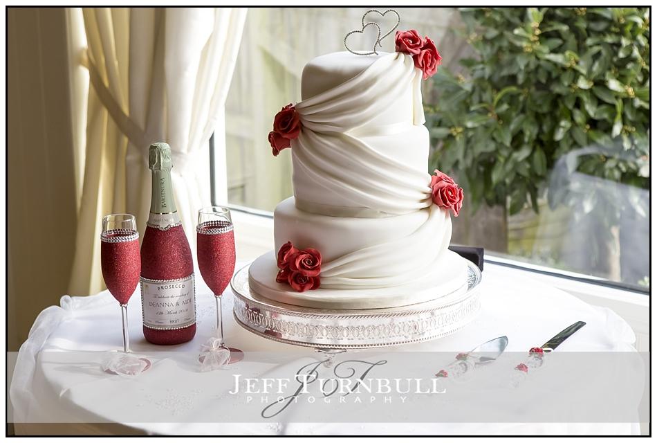 Wedding Cake and Presecco