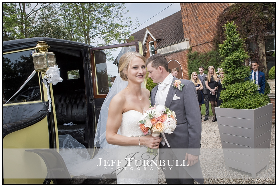 Bride and Groom arrive Pontlands Park