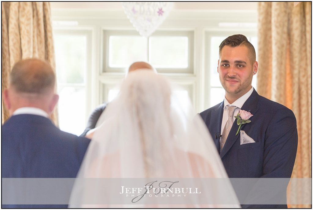 Groom Sees Bride First Time The Compasses Pattiswick