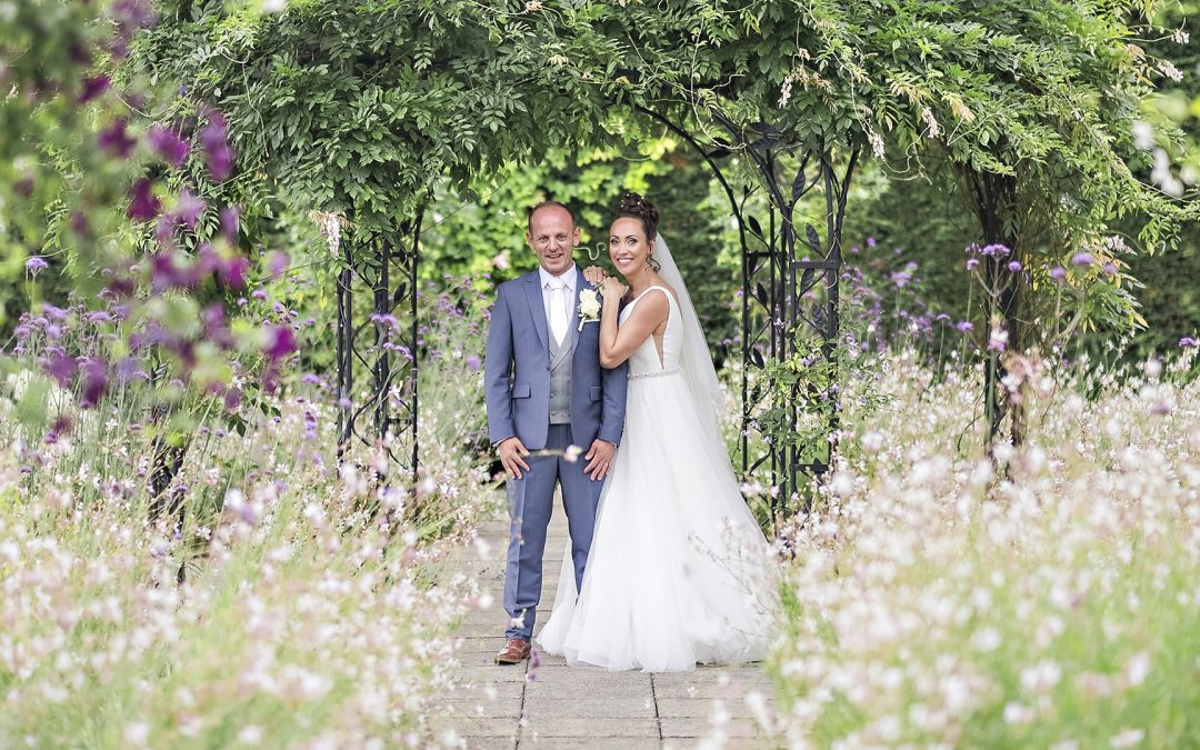Gaynes Park Wedding Photography   Heidi and Jamie