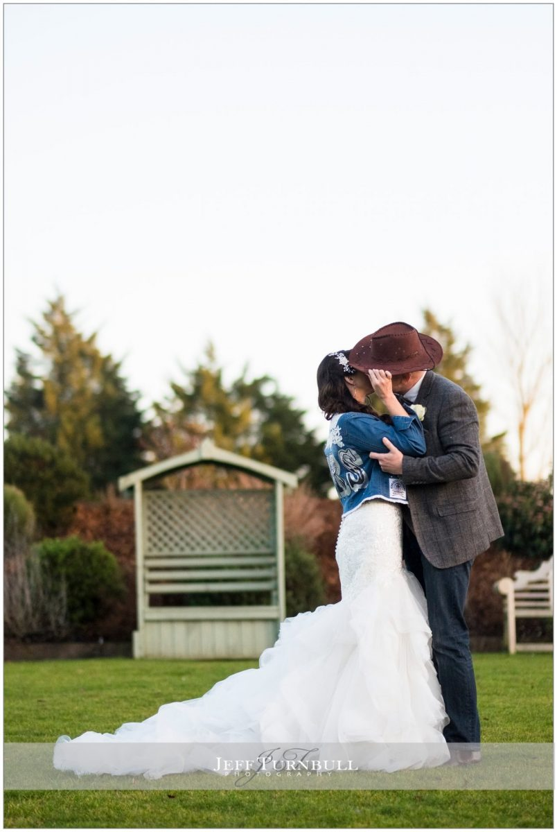 Western-style bride and groom photography