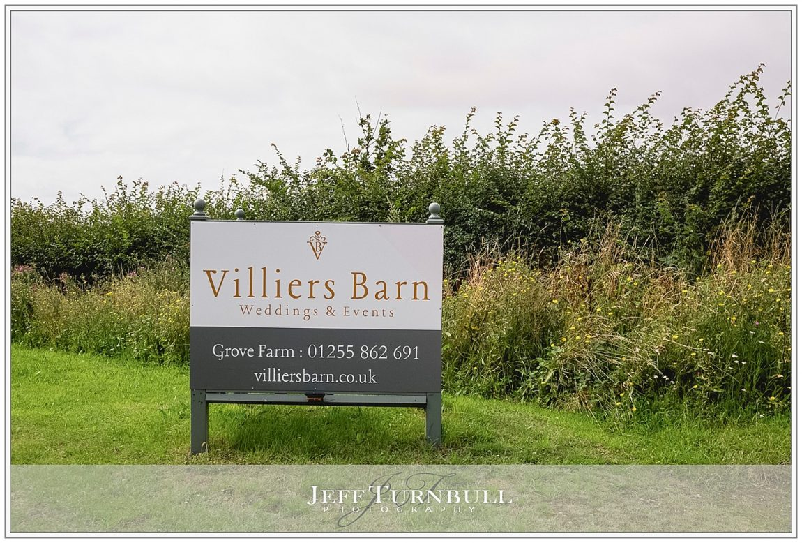 Villiers Barn Sign Post